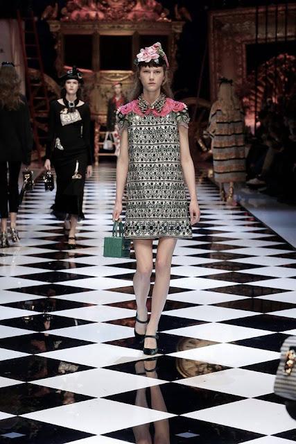 Dolce and Gabbana Women's Fall-Winter 2016-17 MFW {Cool Chic Style Fashion}