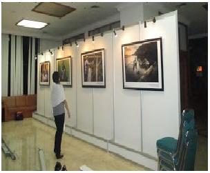 Panel photo partisi pameran