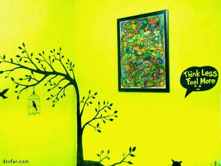 Lukisan Crayon nemplok di dinding