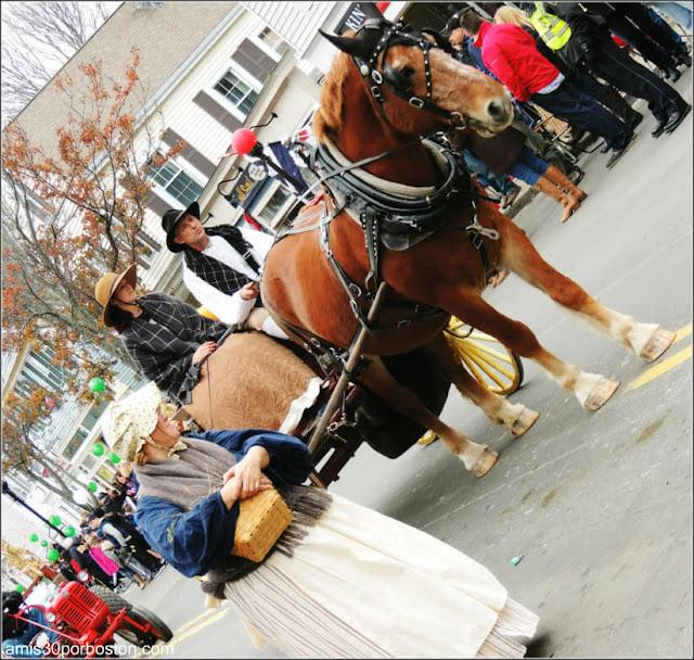 Peregrinos en el Desfile de Acción de Gracias en Plymouth, Massachusetts