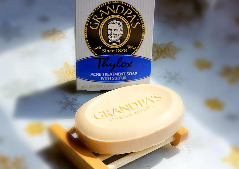 Отзыв: «Дедушкино» мыло с серой для лечения угревой сыпи Grandpa's Thylox Acne Treatment Soap with Sulfur.