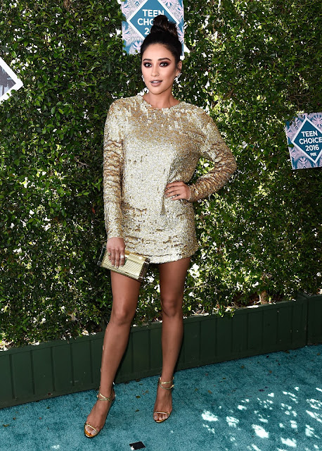 Actress, Model, @ Shay Mitchell - Teen Choice Awards 2016 in Inglewood