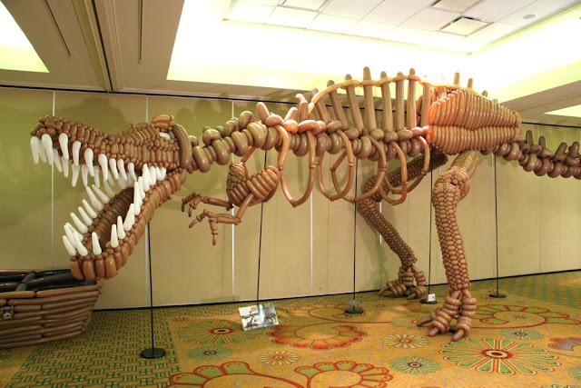 T-Rex balloon sculpture