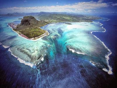 Víz alatti vízesés – a természet illúziója – Mauritius