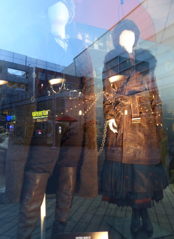 Hateful Eight John Ruth and Daisy Domergue movie costumes