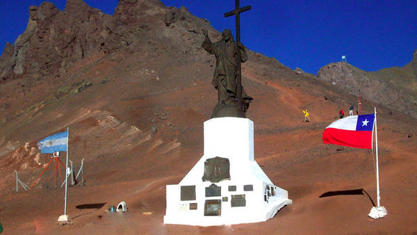 Cristo Redentor na divisa entre Chile e Argentina