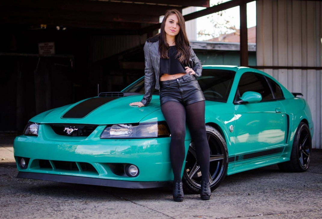 Fast And Furious 4 Cars Wallpapers Ford Mustangs With Beautiful Girls 2 Iblog