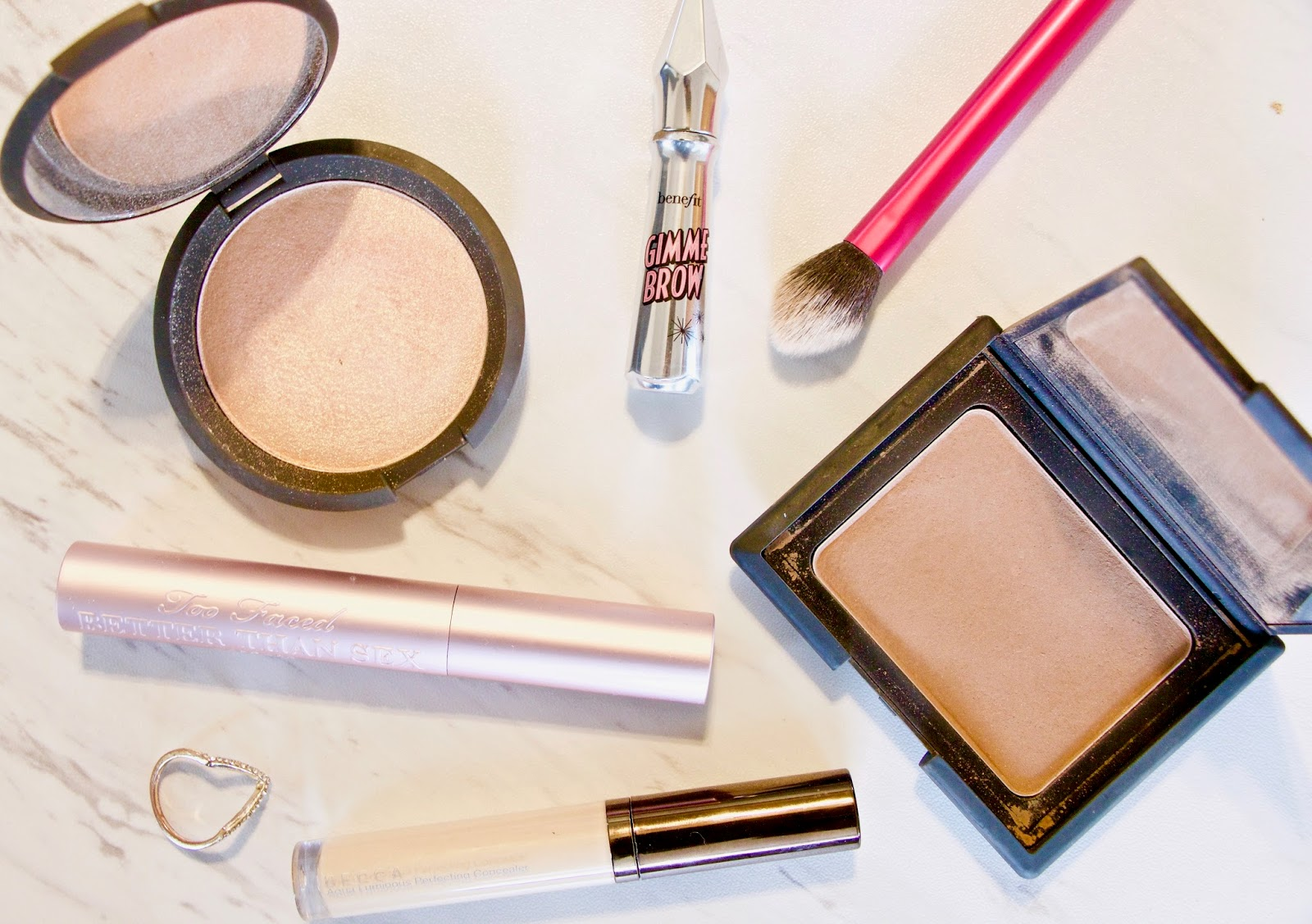 "The 5 Products You Need For A ""No Makeup"" Makeup Day"