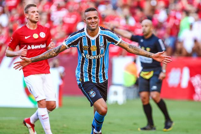 Grêmio derrota Inter e Gauchão terá Gre-Nal nas quartas de final ... b699f88770699