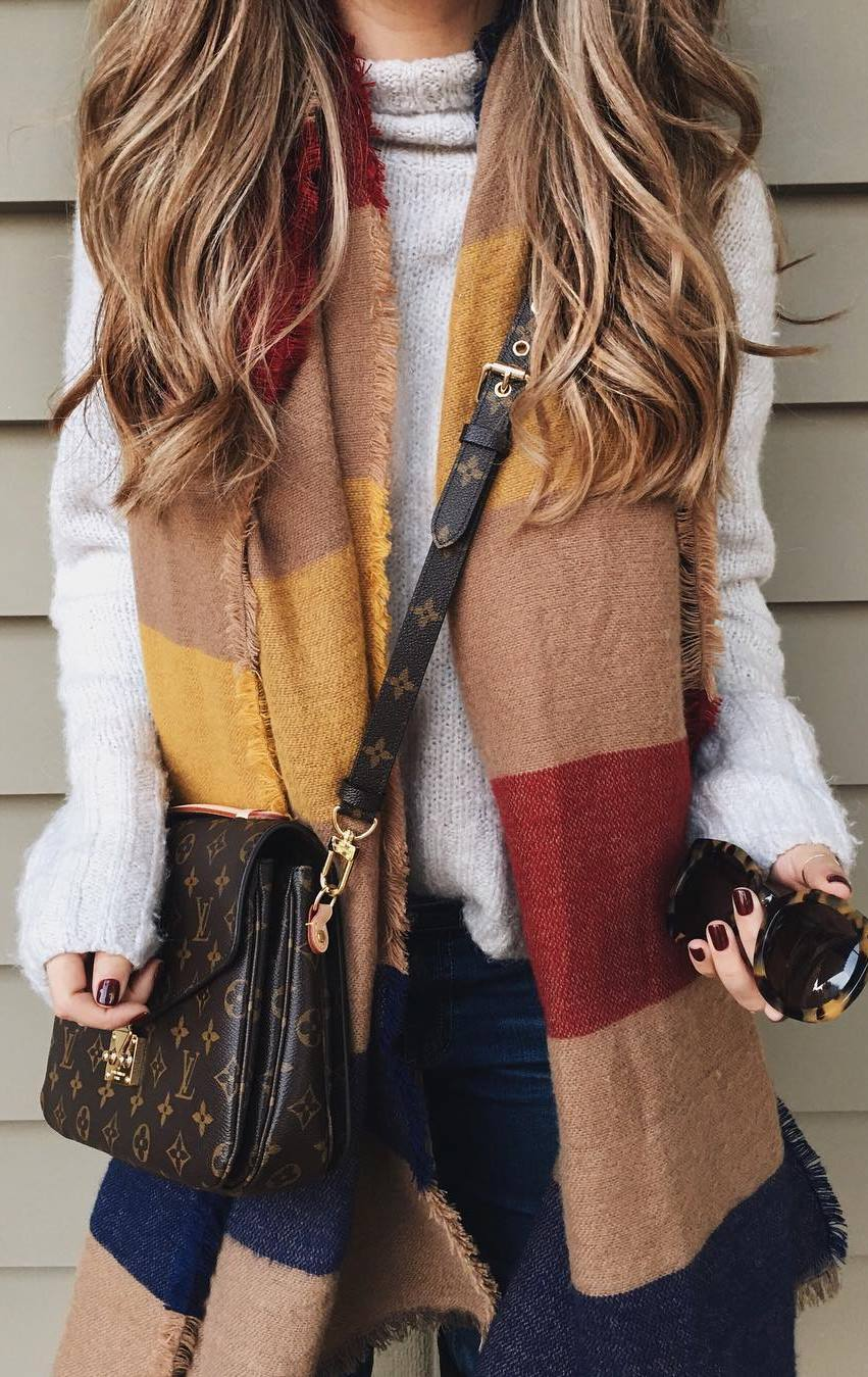 fashionable look | white sweater + bag + colorful scarf
