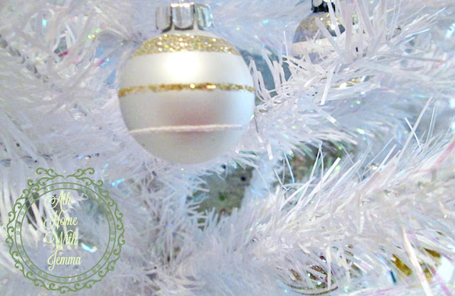 athomewithjemma-White-Christmas