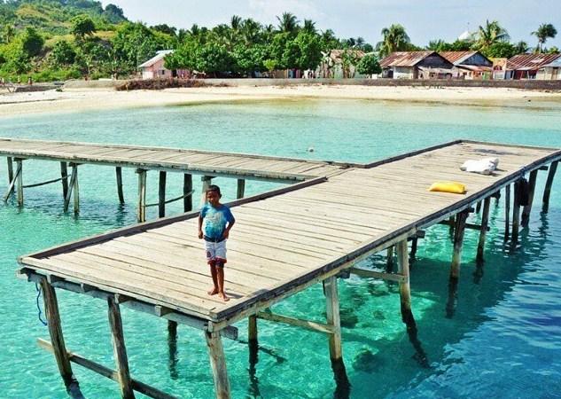 Tempat Wisata Pantai di Maluku Yang Keren Banget
