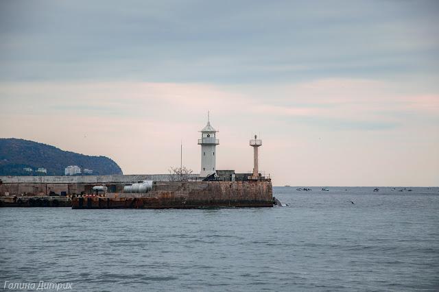 Ялтинский маяк фото