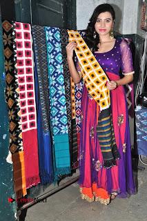 Priyanka Ramana Inaugurates Pochampally IKAT Art Mela  0013.jpg
