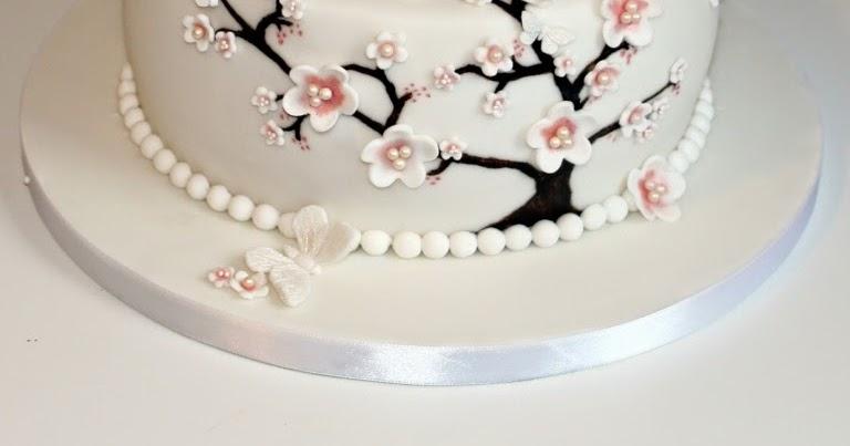 Rezept Geburtstagstorte mit Kirschblten und
