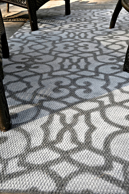 graphic print rug