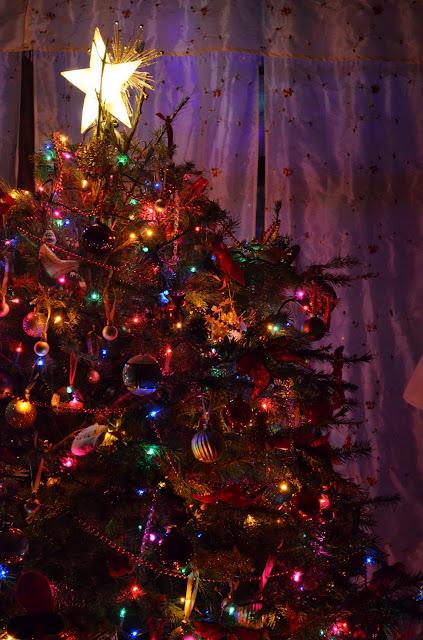 christian giving christmas tree