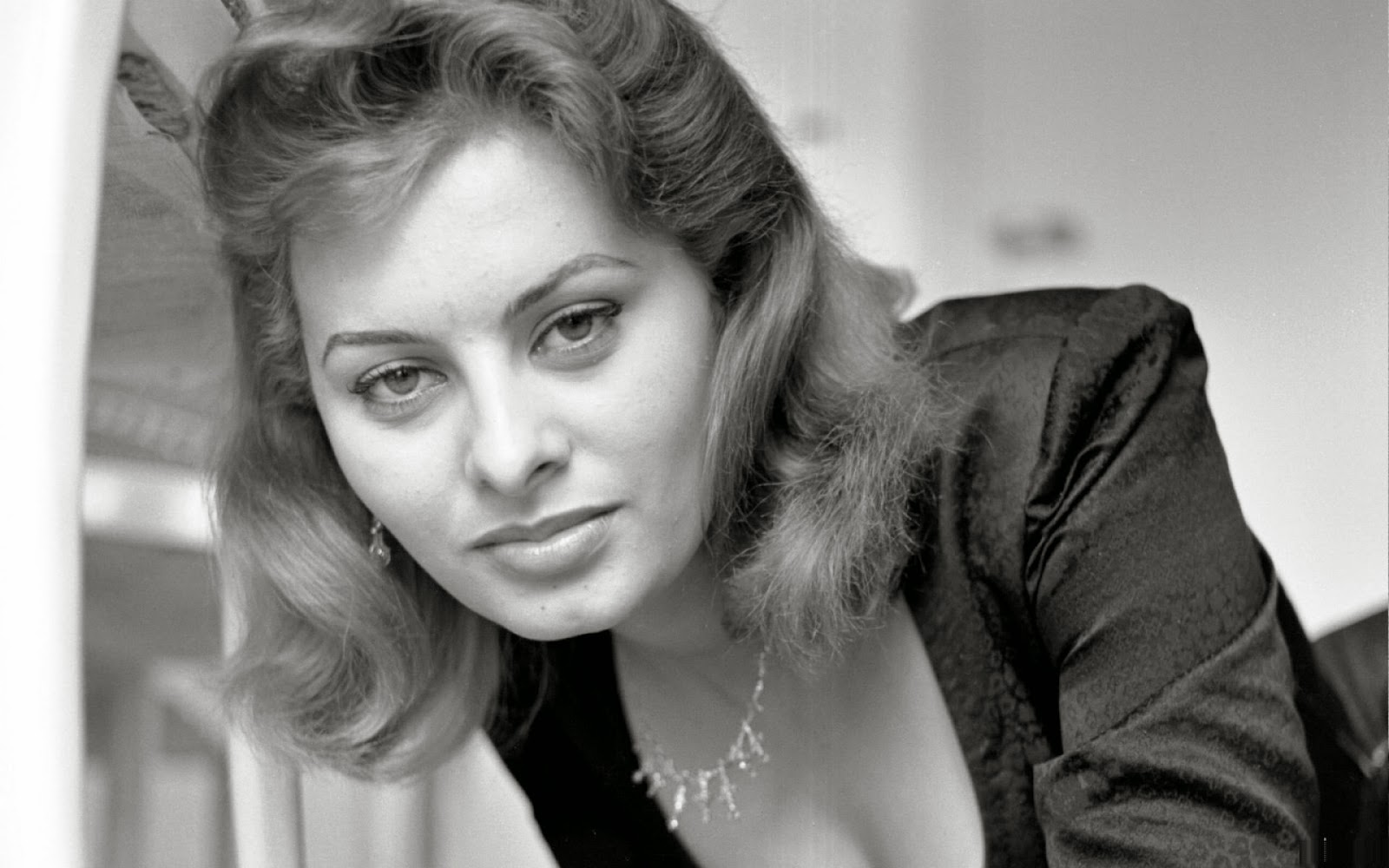 Mrs. Button's Vintage Corner: Vintage Inspiration ...Sophia Loren No Makeup