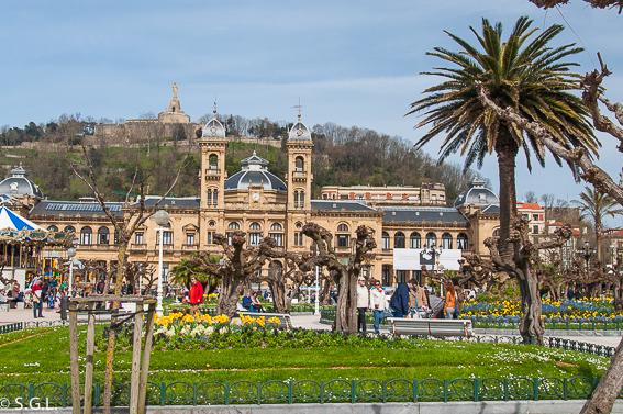 Ayuntamiento y jardines Alderdi Eder. 20 cosas para ver en Donostia