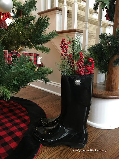 Red and Black Christmas Decoration - Holiday House Tour