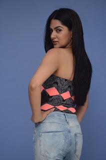 sakshi chowdary photos selfie raja