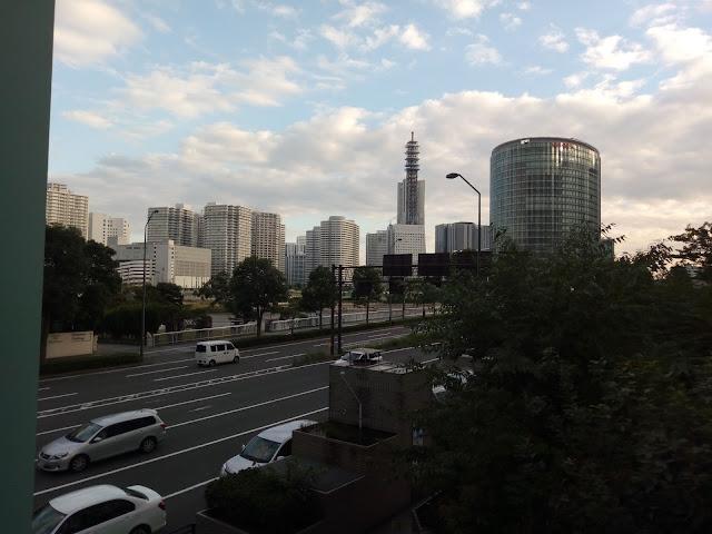 横浜 空 道路