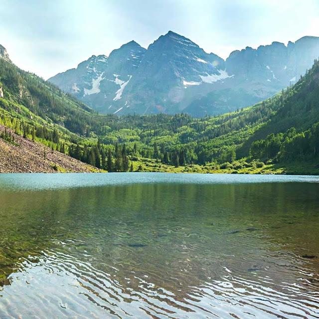 Mountain Lake Wallpaper Engine