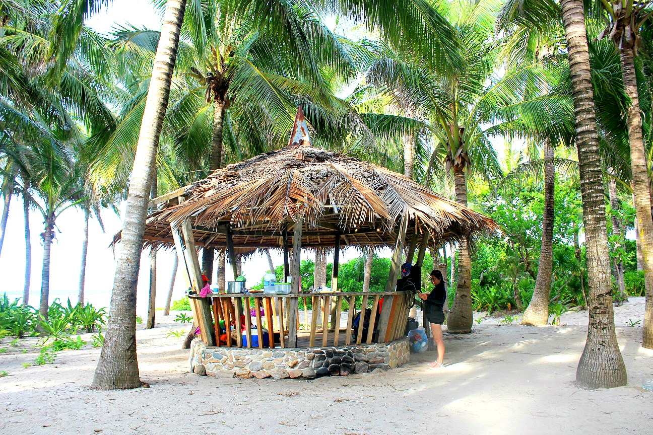 popular beaches in the philippines