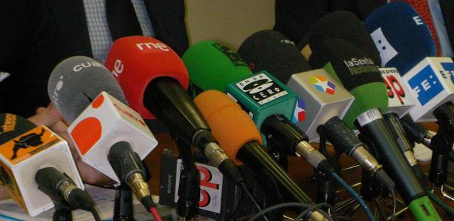 Medios de comunicacion y opinion publica libre