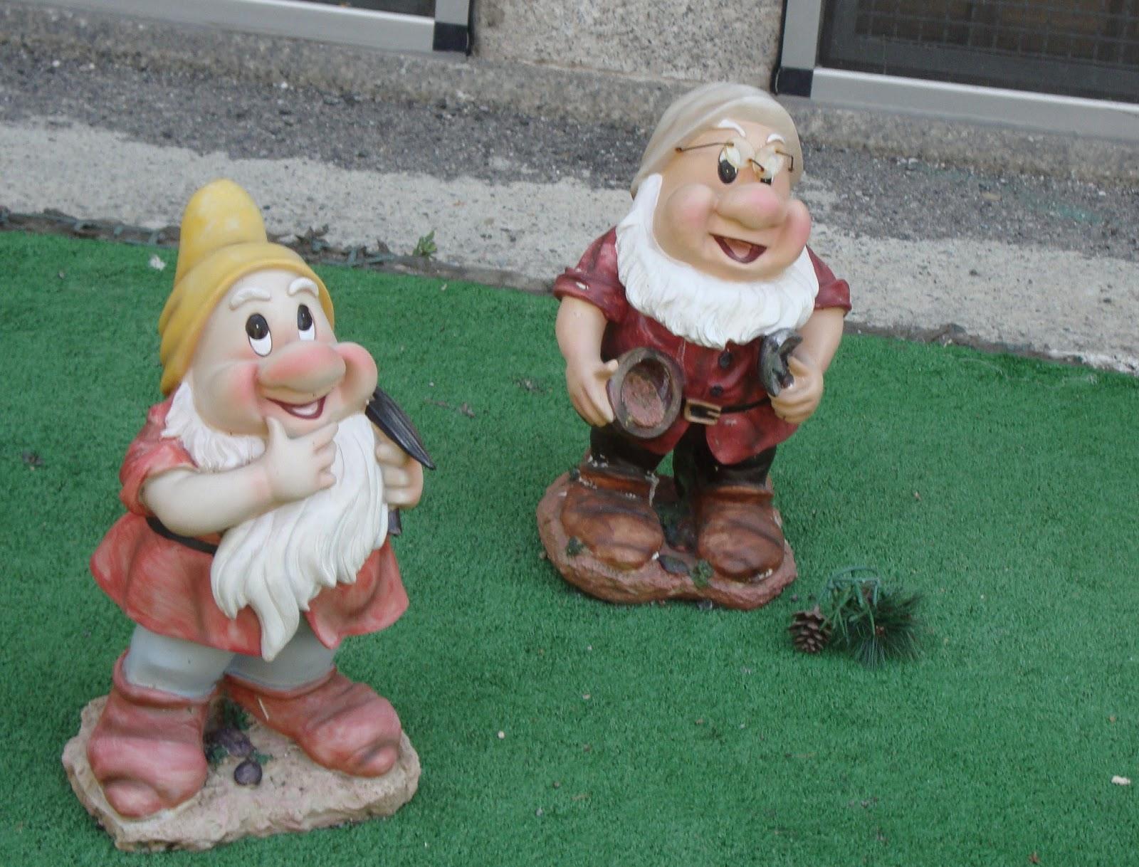 Un Piccolo Giardino In Città Nani Da Giardino Tra Fiaba E Kitsch