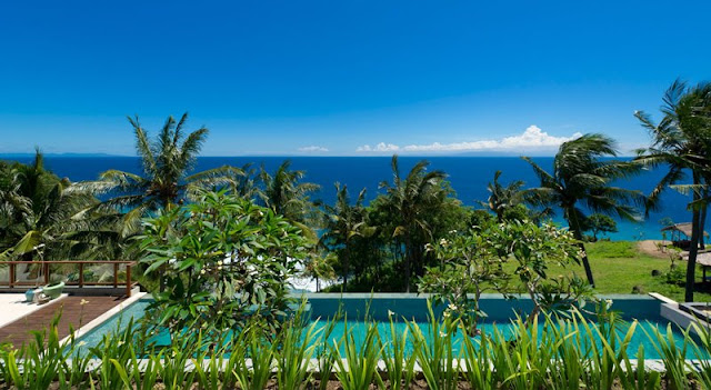 Picture of the ocean view from the cliff villa