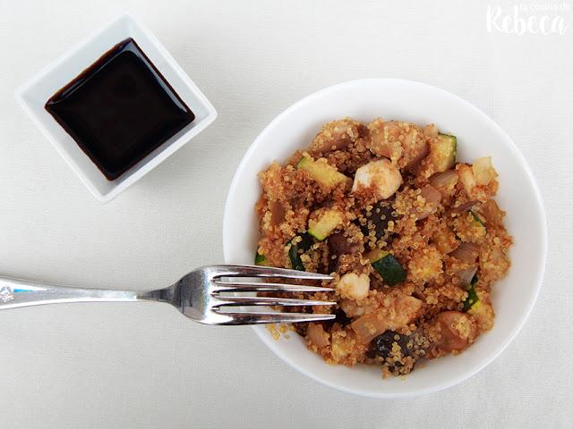 Salteado de quinoa con salsa de soja
