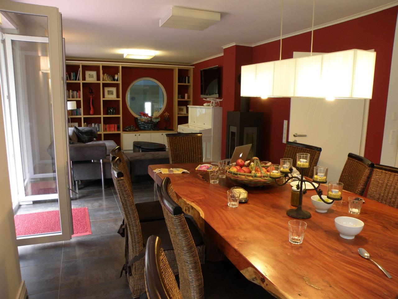 Wohnzimmer mit Bullauge zum Pool, Insel Rügen, Villa Merle