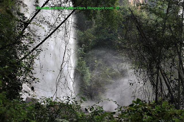 Spray, Waterfall, Baofeng Lake, Zhangjiajie, Hunan, China