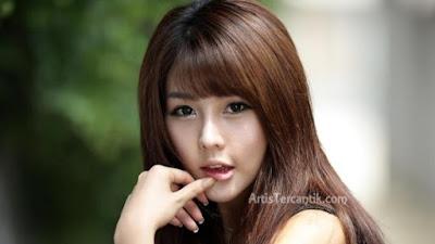 Model Korea Selatan Terseksi Lee Ji-woo