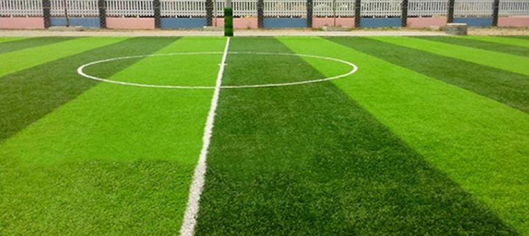 Sân bóng đá trường THPT Trung Văn