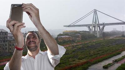"""""""Se questo è un ministro"""",   polemica social per il selfie di Salvini ai funerali di Stato a Genova"""