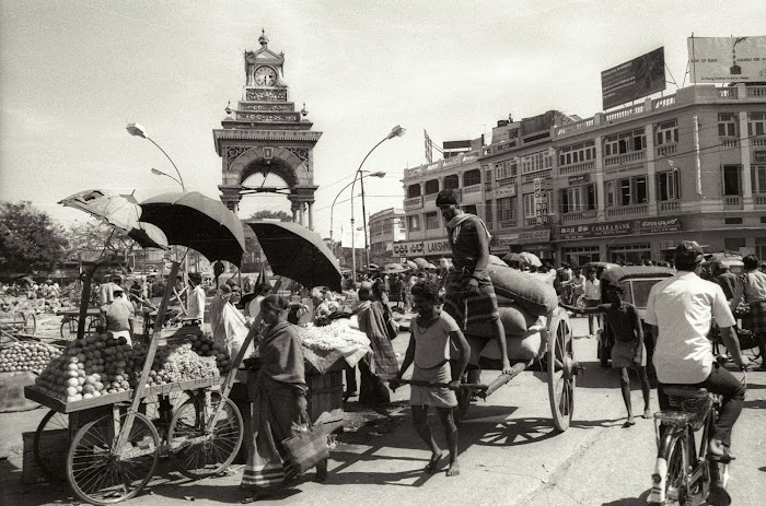 Mysore, Mysuru, Krishna Rajendra Circle, Dufferin Clock Tower, © L. Gigout, 1990