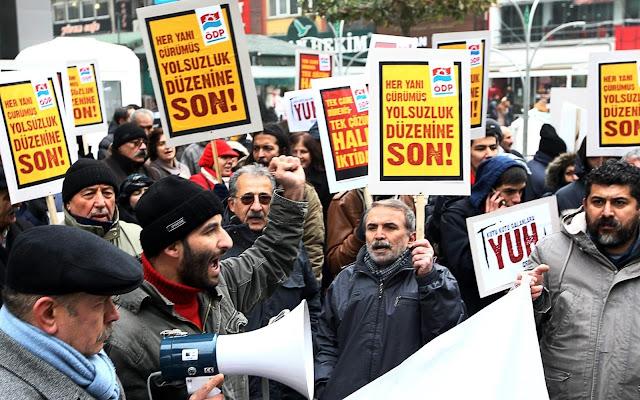 Demo Anti Korupsi Erdogan Desember 2013