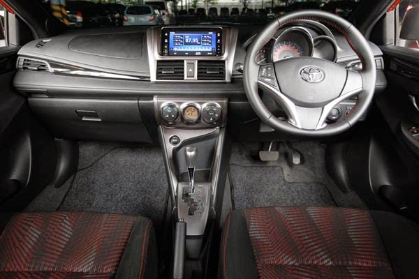 New Yaris Trd Sportivo Review Grand Kijang Innova Diesel Komparasi All Honda Jazz Rs Vs Toyota Di Varian Kita Akan Mendapatkan Unsur Kemewahan Mulai Dari Setir Dan Shift Knob Berlapis Kulit Ac Digital Dengan Climate Control