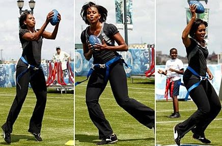 obama michelle happy to play football again - ¡Exclusiva de Before It's News!
