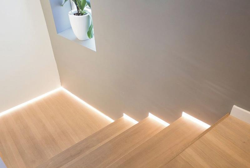 Iluminazione casa faretti da incasso e strisce led dettagli