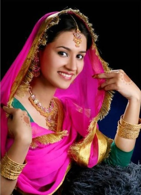Punjabi girls in traditional dresses looking cute - Punjaban wallpaper ...