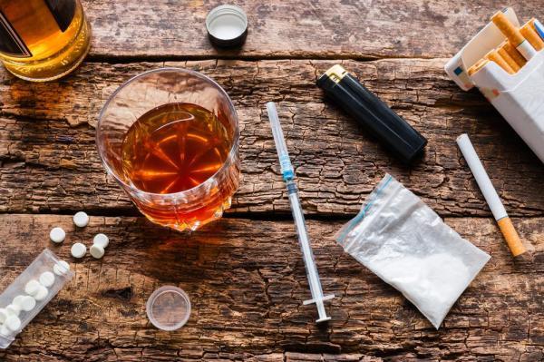 Злоупотребата с Цигари - Алкохол - Наркотици