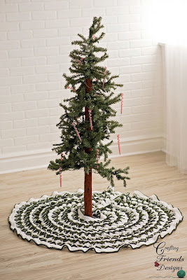Crochet pattern Christmas Pine Tree Skirt