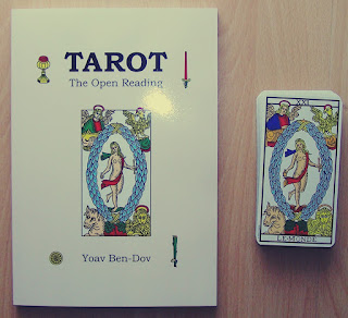"Tarot inaczej. Recenzja ""Tarot. The Open Reading"" Yoava Ben-Dova"