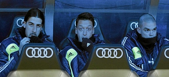 Khedira, Özil and Pepe at the Real Madrid bench