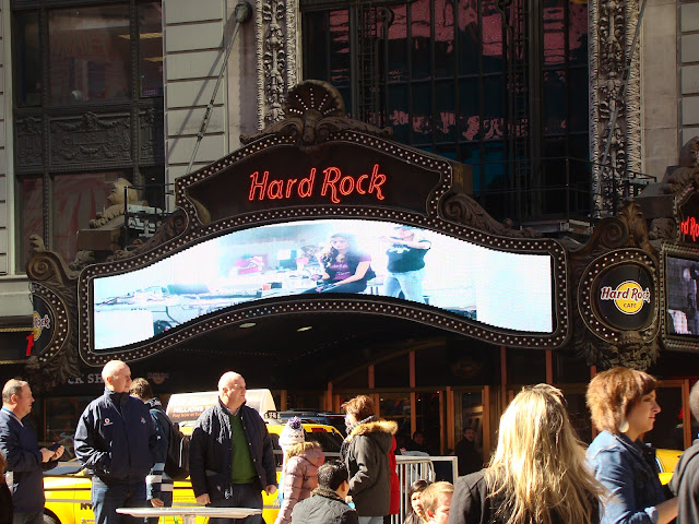 TIMES SQUARE - HARD ROCK
