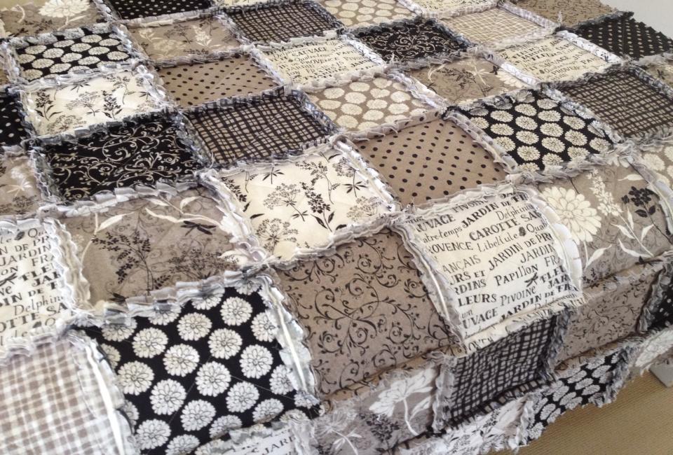 mugwa cottage jardin de provence raggy quilt. Black Bedroom Furniture Sets. Home Design Ideas