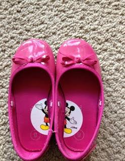 Truco para enseñar a los niños cual es el zapato izquierdo y derecho